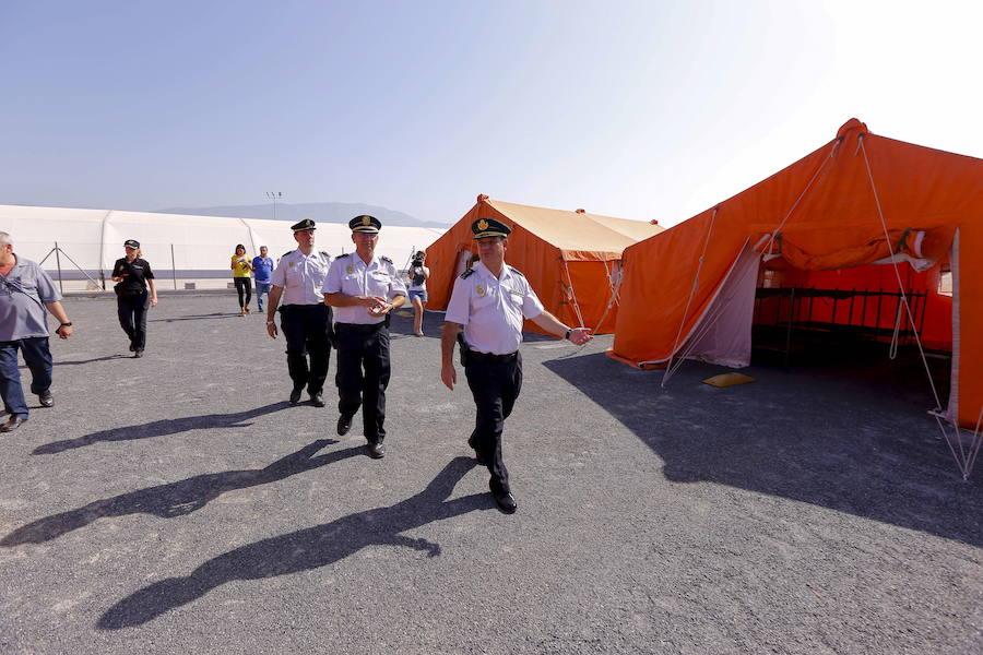 El Gobierno sustituirá las tiendas del campamento para inmigrantes de Motril por módulos estables