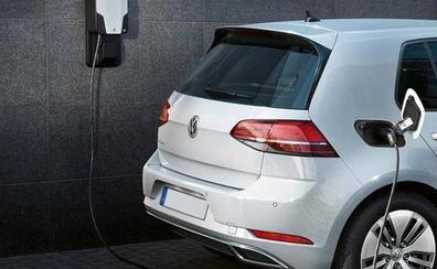 Las verdaderas diferencias entre un coche eléctrico y uno híbrido: ¿cuál te viene mejor?