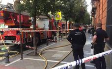 Fuego en una vivienda de la calle Tablas en Granada