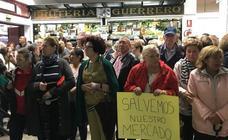 La protesta del mercado de Almuñécar en imágenes