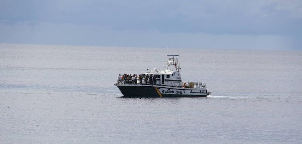 La Herradura conmemora el 456 aniversario del Naufragio de la Armada con un homenaje a la Guardia Civil del Mar
