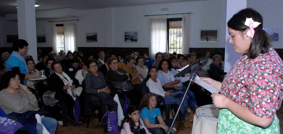 El Encuentro de la Federación de Asociaciones de Mujeres de la Alpujarra gira en torno a la enfermedad del alzhéimer