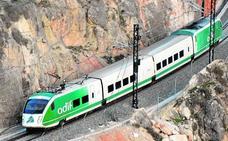 Fomento admite que maneja 2025 para el primer AVE de Almería tras acabar la vía dos años antes