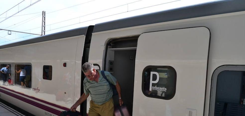 La caída de un puente del tren en Sevilla obligará a más transbordos durante meses