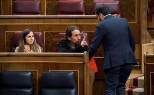 El Parlamento abre la puerta a despenalizar las injurias a la Corona