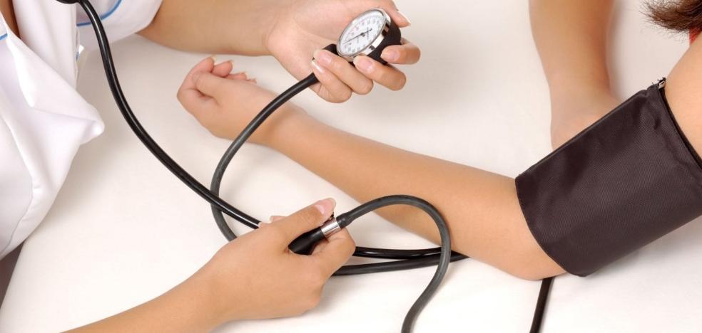 Sindicatos estiman que en la provincia faltan casi 2.000 enfermeros para igualar la ratio europea