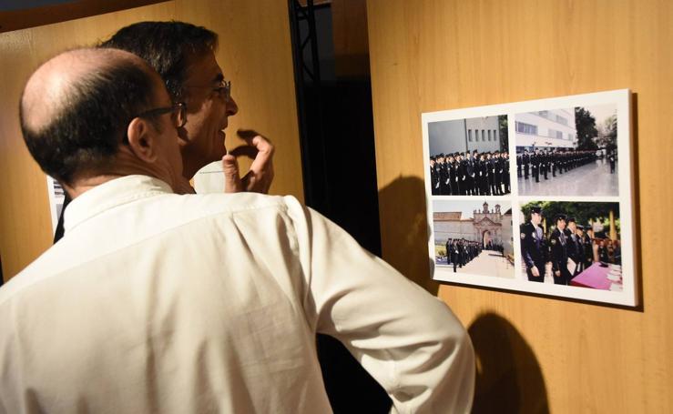Los 25 años de servicio de la Policía andaluza, en imágenes