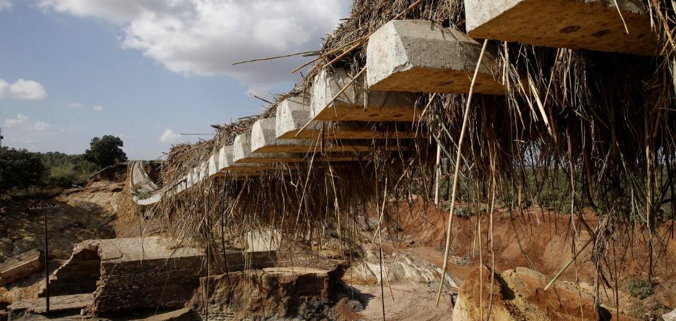 Fomento estudiará si es viable dar uso a la inacabada vía del AVE andaluz
