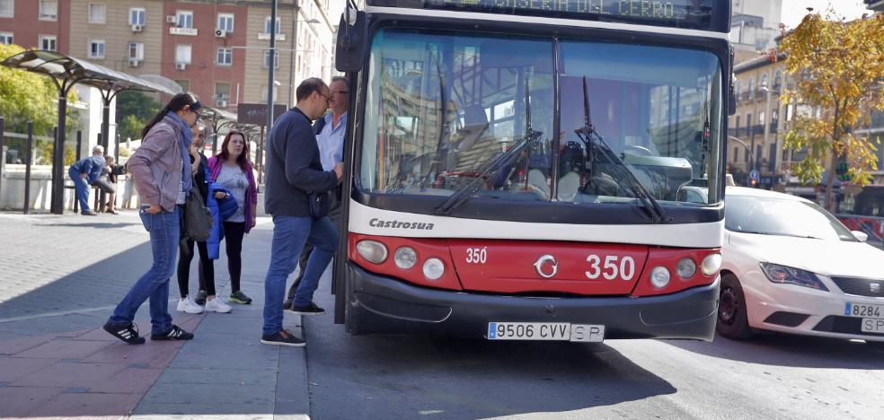El Ayuntamiento exige a la Rober la renovación inmediata de 26 autobuses con más de doce años