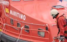 Llegan en buen estado a Motril las 85 personas rescatadas de tres pateras