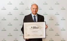 La Real Academia de Gastronomía reconoce al catedrático de la UGR Ángel Gil como el mejor científico español del año