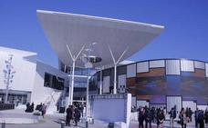 Herida una mujer al caerle encima un trozo de madera de la cubierta del centro comercial Torrecárdenas