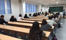 9.243 facultativos especialistas buscan lograr plaza en los centros públicos del SAS