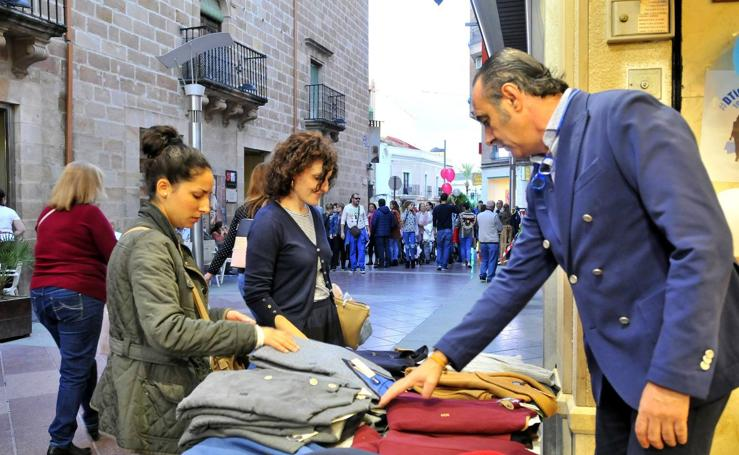 Bullicio comercial en Linares