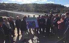 Abierto al tráfico el nuevo acceso a la población de Campillo del Río sobre el río Guadalquivir