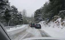 Reabiertas las dos carreteras cortadas por la nieve en la provincia de Granada
