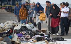 Indonesia localiza el fuselaje del avión estrellado
