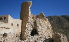 El Defensor del Pueblo insta a la Junta a seguir con las medidas para obligar a rehabilitar el castillo de San Pedro
