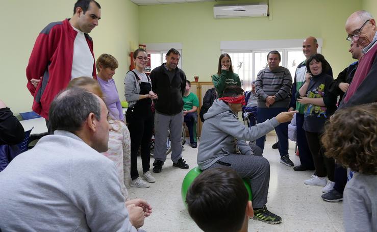 Escolares y personas con discapacidad comparten una jornada de inclusión