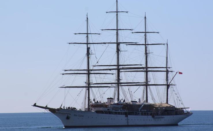 El Sea Cloud llega al puerto de Motril