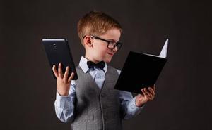 ¿Son buenos los portátiles y móviles para educar a nuestros niños?
