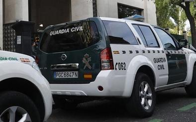 Arrestada por sustraer varias joyas de oro a la mujer que cuidaba en Jaén