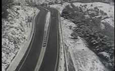 Reabren al tráfico el Puerto de la Ragua y continúa cerrado el acceso a la Hoya de la Mora
