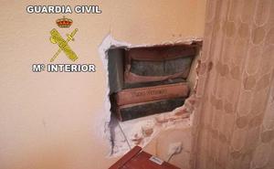 Roban en dos casas de Mengíbar mediante el método del butrón