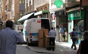 ¿Puedes aparcar en Granada en carga y descarga? ¿Qué normas y multas existen?