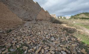 Se derrumba un tramo de la muralla Nazarí en el Albaicín de Granada