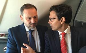 El alcalde de Granada resalta el «cumplimiento» de Fomento con el tren por Moreda y vuelve a pedir la conexión por AVE
