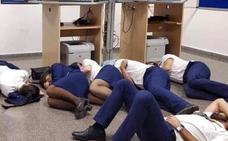 Ryanair despide a los tripulantes que supuestamente durmieron en el suelo del aeropuerto de Málaga