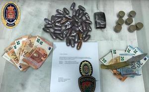 Dos detenidos en Granada con más de medio kilo de hachís