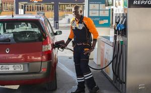 Los sindicatos solicitan a la Junta que frene el crecimiento de las gasolineras sin personal