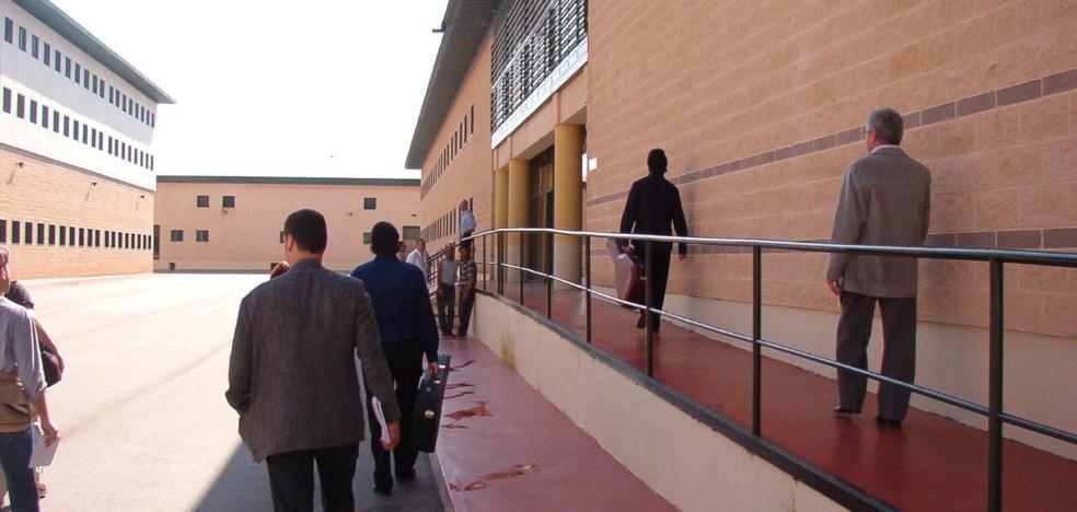 El crimen de un recluso dentro de la prisión del Albolote será enjuiciado por un jurado popular