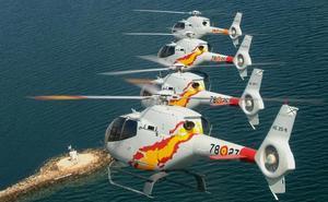 La Patrulla Acrobática Aspa es la única en el mundo con cinco helicópteros