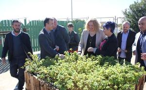 Alumnos con discapacidad crean un jardín de los sentidos para que lo visiten los niños motrileños