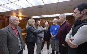 El frente en defensa del mercado de Almuñécar llama a la movilización en la calle