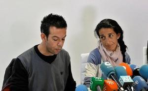 Los padres de Gabriel se someten a la prueba forense para determinar el daño moral causado por Ana Julia