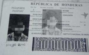 Final feliz para la mujer que perdió el pasaporte de su hijo en el bus Atarfe-Granada