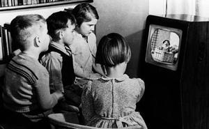 Más de 7.000 personas aún ven la televisión en blanco y negro en Reino Unido