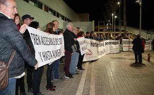 La estación de Huércal-Viator es una «condena», según la Mesa del Tren