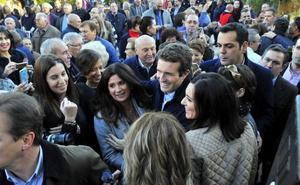 Moreno presentó su candidatura en Linares, arropado por Pablo Casado