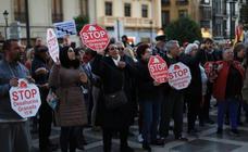 Concentración en Plaza Nueva contra la sentencia del Tribunal Supremo sobre el impuesto de las hipotecas