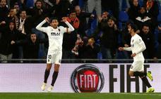 El Valencia resurge en Getafe con un gol de Parejo de penalti