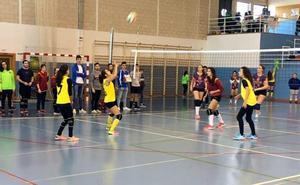 Vilches reunió a 300 jugadores de voleibol