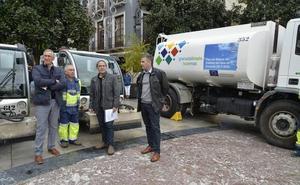 El Ayuntamiento de Granada 'regará' las calles para rebajar los niveles de contaminación