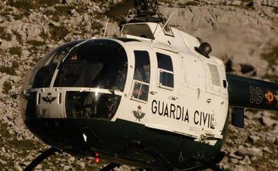Rescatan en helicóptero a dos barranquistas tras pasar la noche perdidos en Santiago-Pontones