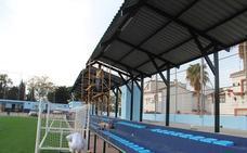 Almuñécar estrena hoy un renovado campo de fútbol con césped artificial