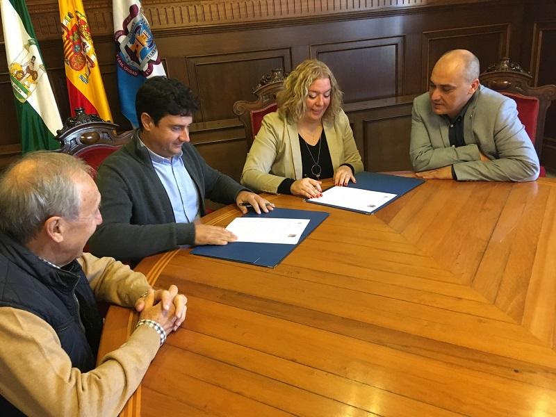 El Ayuntamiento colaborará con Jesús Abandonado y derivará a familias con dificultades